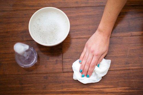 Mẹo tẩy vết sơn nhanh chóng dễ làm